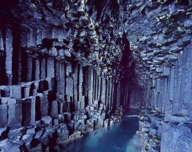 cuevas-fingals-escocia