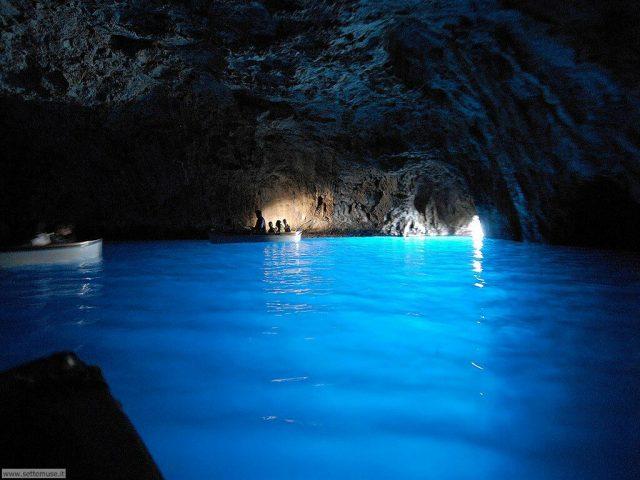gruta-azzurra-italia