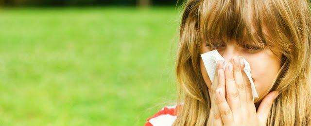El misterio de las personas que estornudas al ver el sol